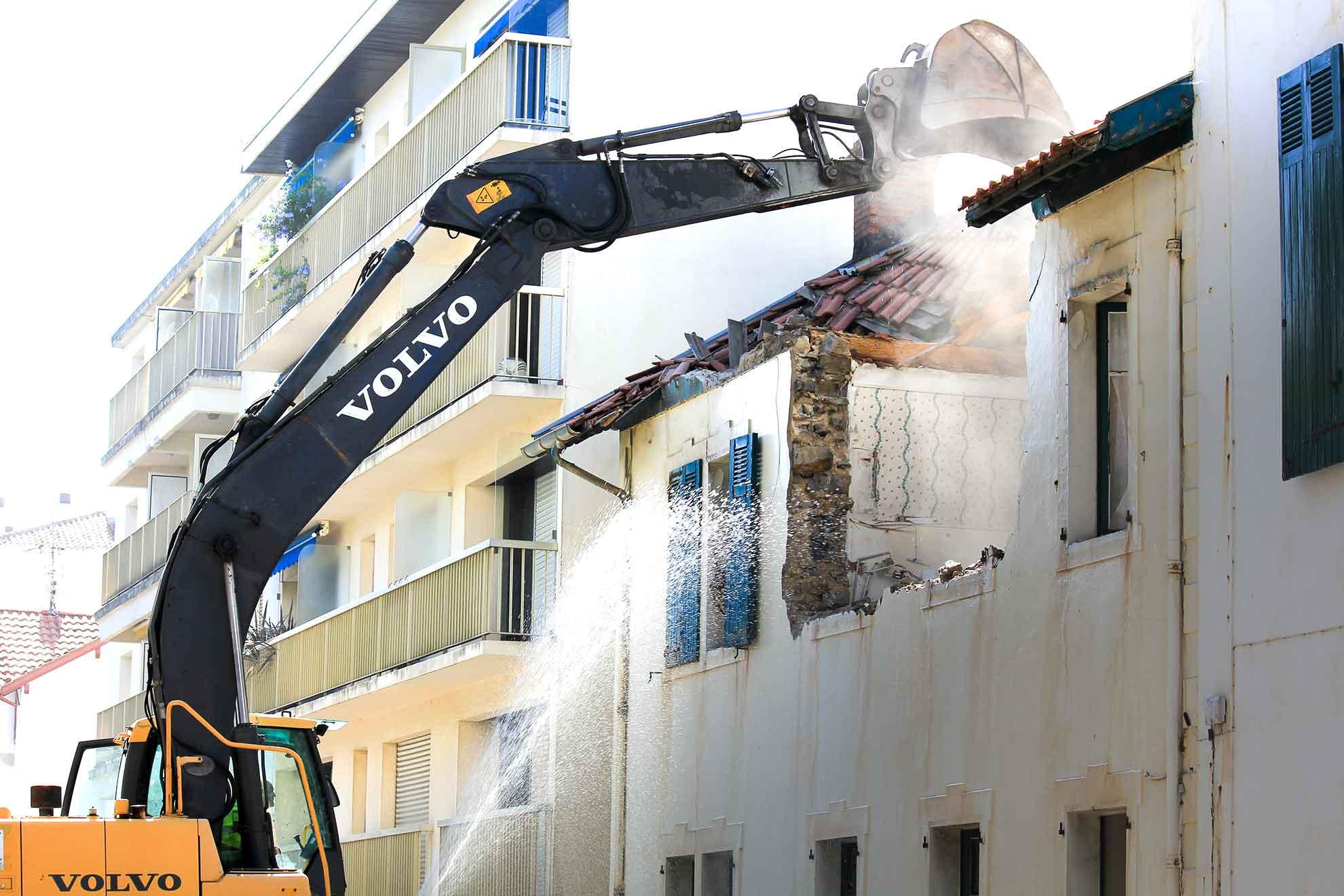 bihotza-zubieta-destruction-immeuble-saintjeandeluz