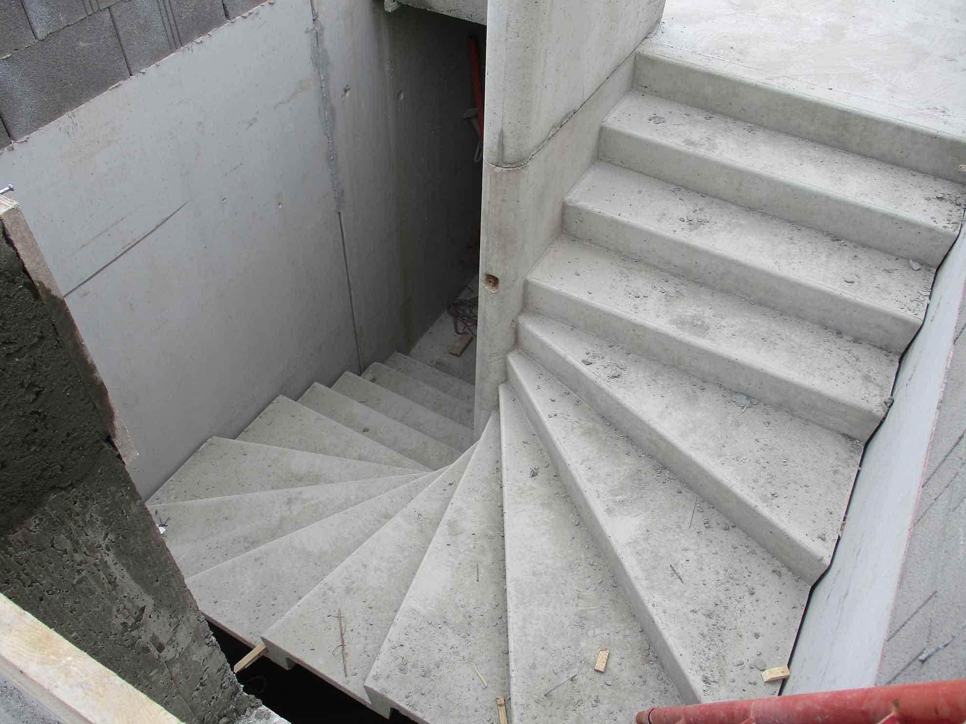 escalier-logement-collectif-beton
