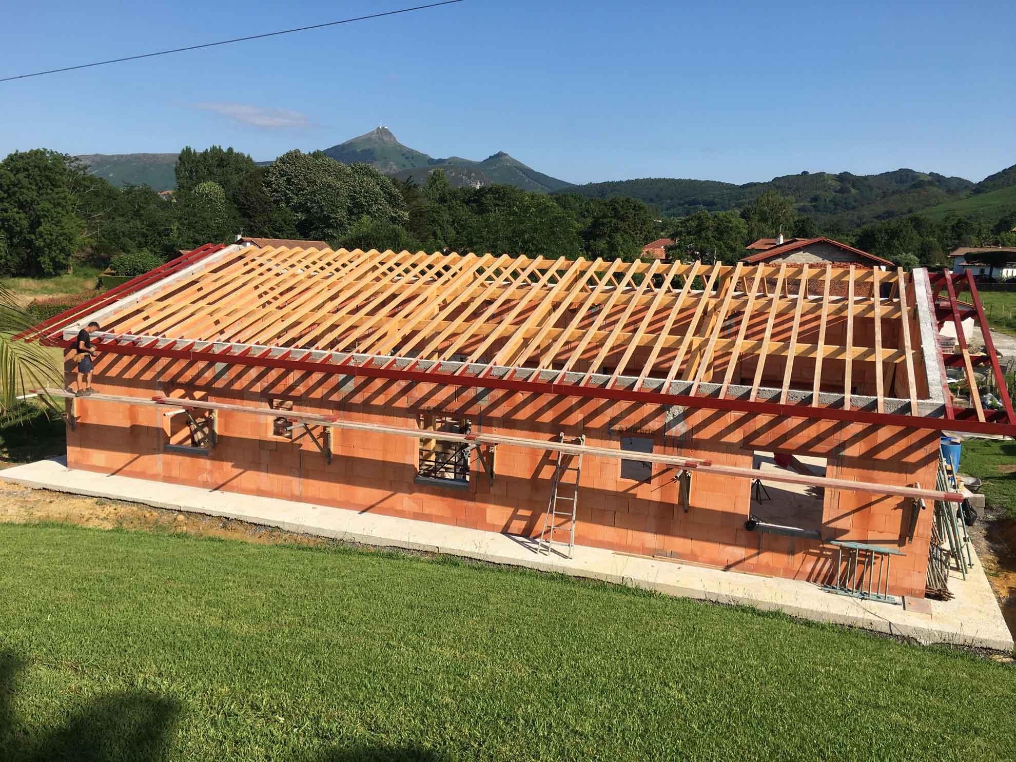 construction-maison-individuelle-charpente-zubieta